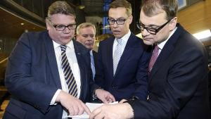 Timo Soini (Sannf),  Antti Rinne (SDP),  Alexander Stubb (Saml), Juha Sipilä (C)