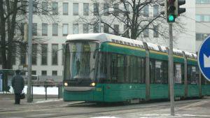 Spårvagn på väg från hållplats
