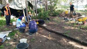 Utgrävningar vid Finlands äldsta kyrka i S:t Karins sommaren 2015