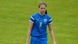 Emmaliina Tulkki på fotbollsplanen