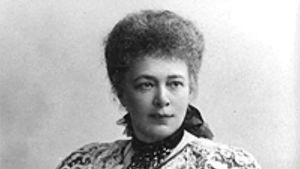 Alfred Nobel blev mycket förtjust i grevinnan Bertha Kinsky, sedermera Bertha von Suttner.
