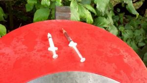 Använda sprutor i Åbo.