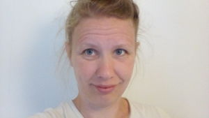 Ordkonstledaren och författardeutanten Lotta Sanhaie.