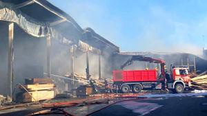 Brandsläckning i Vandaporten.
