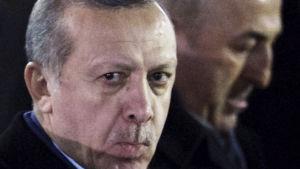 Turkiets president Recep Tayyip Erdoğan och utrikesminister Mevlüt Çavuşoğlu på besök i Moskva 10.3.2017