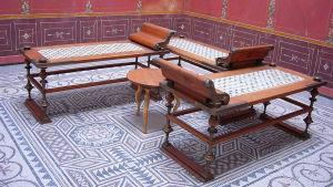 Triclinium där man låg till bords.