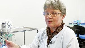 Ylilääkäri Riitta Luosujärvi, HUS reumatologia