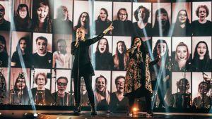 Jippu ja Kaija Koo laulavat SuomiLove-lavalla