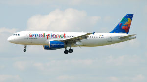 Airbus 320-plan från Small Planet Airlines.