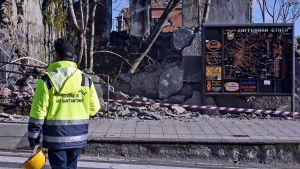 En skadad byggnad i Zafferana Etnea nära Catania efter jordskalvet 26.12.2018