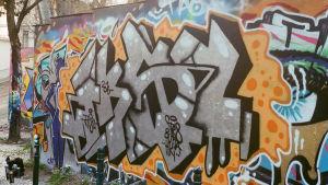 Graffiti muurissa