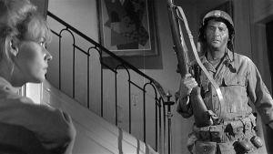 Jeanne Moreau ja Eli Wallach elokuvassa Voittajat