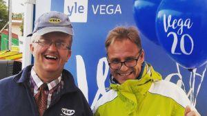 Två glada män. De heter Thomas Backas och Patrik Rosström.