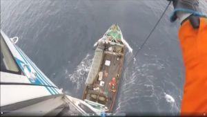 Uutisvideot: Loukkantunut merimies nostettiin helikopteriin