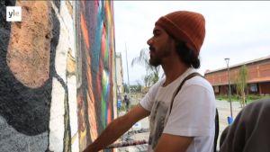 Uutisvideot: Maailman suurin yhden miehen maalaama graffiti syntyy Rion olympialaisiin