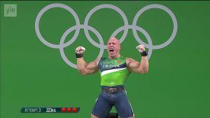 Rion olympialaiset: Rion upein tuuletus? Näin 94-kiloinen painonnostaja heittää voltin