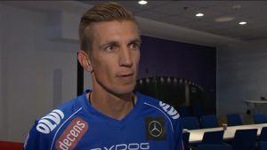 Urheilujuttuja: Salibandyliiga alkaa: Classicin Jarkko Nieminen haastattelussa