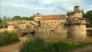 Uutisvideot: Ranskassa rakennetaan keskiaikainen linna
