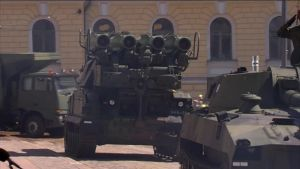 Buk-ohjuksia Puolustusvoimien paraatissa vuonna 2012