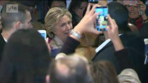 Uutisvideot: Hillary Clinton äänestää