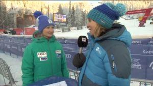 Urheilujuttuja: Tanja Poutiainen seuraa alppihiihtoa silmä kovana