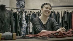 """Uutisvideot: """"Eivät ihmiset oikeasti halua ostaa halpatuotettuja vaatteita"""""""