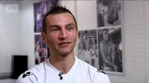 Urheilujuttuja: Edis Tatli: Kehässä ei voi pelätä