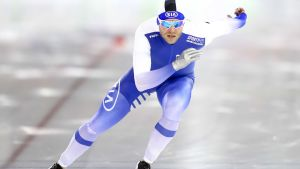 Urheilujuttuja: Mika Poutala ennen 500 metrin kilpailua