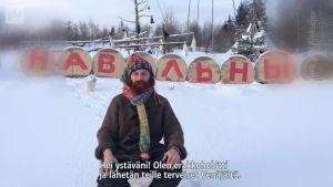 Uutisvideot: Venäläinen lakimies haistatti pitkät Moskovalle, kaivoi maakolon ja muutti sinne kaninsa kanssa