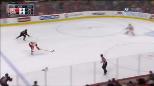 NHL: Detroit laukoi voittomaalin - Carolinan maalivahti loukkaantui
