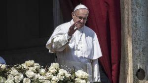 Vatikaanin pääsiäismessu ja Paavin Urbi et Orbi -siunaus