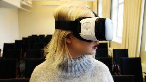Yle Uutisluokka: Virtuaalilaseilla voi kohdata pelkonsa