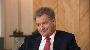 """Yle Uutisluokka: Presidentti Niinistö: """"Aika iso joukko nuoria on onnellisia – se tekee minunkin päiväni onnelliseksi"""""""