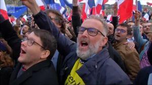 Uutisvideot: Ranskassa Macronin kannattajat riemuitsevat