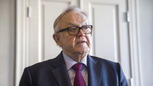 Presidentti Martti Ahtisaaren syntymäpäiväyllätys paljastetaan Ahtisaarelle