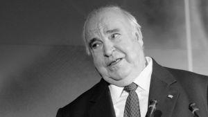 EU muistaa edesmennyttä liittokansleri Helmut Kohlia