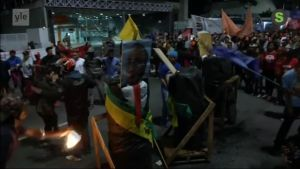 Uutisvideot: Mielenosoittajat Brasiliassa: Presidentti ulos!