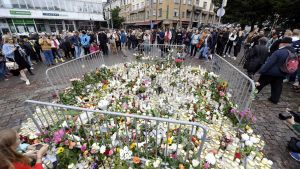 Hiljainen hetki Turun puukotusten uhrien kunnioittamiseksi