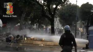 Uutisvideot: Italian mellakka