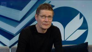 Ylen aamu-tv: Finlandia-palkittu Juha Hurme pyytää anteeksi ministeri Sampo Terholta