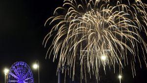 Itsenäisyyspäivä: Linnan juhlat päättyivät mahtavaan ilotulitukseen