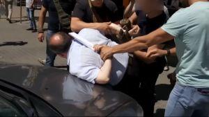 Ukrainan viranomaiset julkaisivat videon, jossa he sanovat pidättäneensä salamurhahankkeeseen osallistuneen epäillyn.