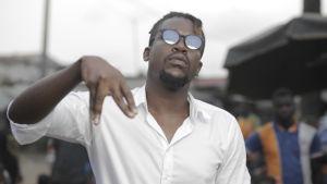 Shado Chris on Norsunluurannikon kuumimpia räppäreitä
