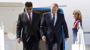 Vladimir Putinin kone laskeutui Helsinkiin
