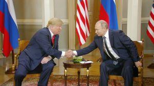 Huippukokouksen osallistujat koolla – Trump onnitteli Putinia jalkapallon MM-kisoista