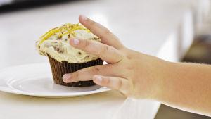 Suomalaiset lihovat ja myös ylipainoisia lapsia on entistä enemmän
