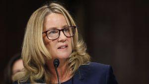 Yhdysvaltain senaatissa kuullaan Donald Trumpin tuomariehdokasta ja tätä seksuaalisesta ahdistelusta syyttävää professoria