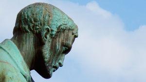 Historioitsijan näkemys Aleksis Kivestä ei kumartele