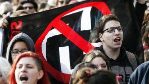 Saksassa marssitaan syrjintää, rasismia ja nationalismia vastaan.