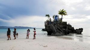 Filippiiniläinen paratiisisaari avataan jälleen turisteille